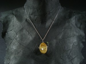Stone and wire pendant - Lonely Orbit
