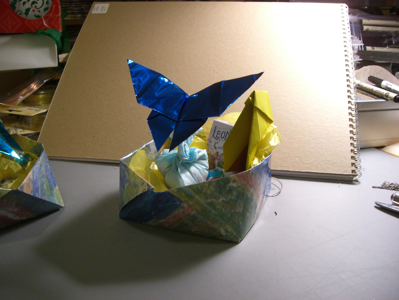 DIY ORIGAMI EASTER BUNNY BASKETS. | Origami, Easter bunny, Diy origami | 2112x2816
